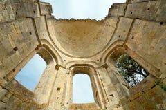 Ruinas viejas de la abadía en Francia Fotografía de archivo libre de regalías