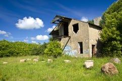 Ruinas viejas de la granja Foto de archivo