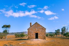 Ruinas viejas del hogar imagen de archivo