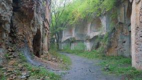 Ruinas viejas del ladrillo almacen de metraje de vídeo