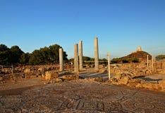 Ruinas y faro Foto de archivo libre de regalías