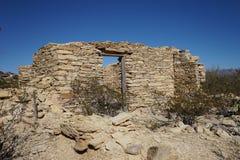 Ruine abandonnée de maison dans la ville fantôme le Texas de terlingua Photo libre de droits