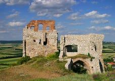 Ruine auf einem Hügel Lizenzfreie Stockbilder