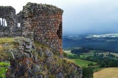 Ruine d'un château féodal images libres de droits