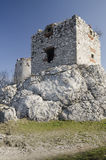Ruine de château médiéval de Devicky, République Tchèque Photos stock