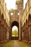 Ruine der Kirkstall Abtei lizenzfreies stockfoto