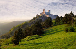 Ruine des Schlosses Cachtice lizenzfreie stockfotos