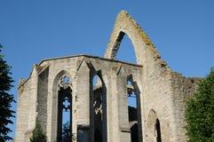 Ruine einer alten und malerischen Kirche in Visby Lizenzfreie Stockfotos