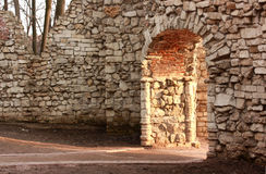 Ruine im Park Stockfotografie