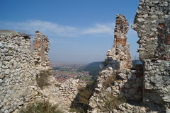 Ruine la citadelle Rasnov, Roumanie photos stock