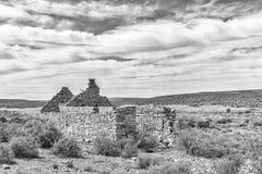 Ruine nahe Middelpos einfarbig stockfotografie