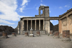 Ruined columns, church in Pompeii Royalty Free Stock Photos