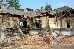 Free Ruined House Royalty Free Stock Photo - 25100555