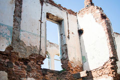 Ruined house in the field Royalty Free Stock Photos