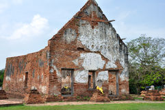 Ruined Temple at Wat Wora Chet Tha Ram Royalty Free Stock Photo