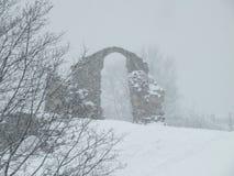 Ruinen auf dem Hügel Stockbilder