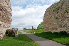 Ruinen auf der Landschaft Lizenzfreie Stockfotografie