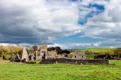 Ruinen der Abtei in Irland. Lizenzfreies Stockfoto