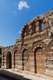 Ruinen der alten Kirche der heiligen Erzengel Michael und Gabriel in der Stadt von Nessebar, Lizenzfreie Stockfotos