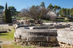 Ruinen der alten römischen und griechischen Stadt Glanum lizenzfreies stockbild