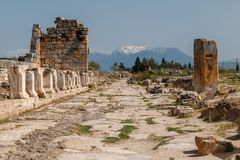 Ruinen der alten Stadt Hierapolis, jetzt Pamukkale lizenzfreie stockfotos