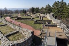 Ruinen der mittelalterlichen Festung Krakra vom Zeitraum des ersten bulgarischen Reiches, Pernik, Bulgarien Stockbilder