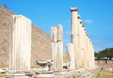 Ruinen der Spalten in Asklepion Lizenzfreie Stockfotos