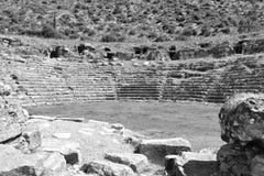 Ruinen des alten griechischen Amphitheaters Lizenzfreie Stockfotos