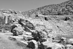 Ruinen des alten griechischen Amphitheaters Lizenzfreies Stockfoto