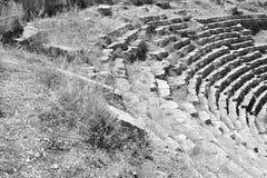 Ruinen des alten griechischen Amphitheaters Lizenzfreie Stockbilder