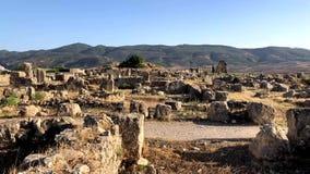 Ruinen des alten römischen Tempels Volubilis nahe zu Meknes, Marokko, Afrika stock footage