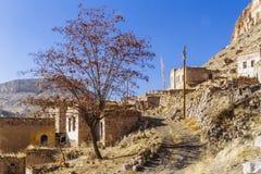 Ruinen des Dorfs in Cappadocia, die Türkei stockbilder