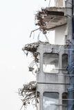 Ruinen des Gebäudes unter Zerstörung, städtische Szene Stockbild