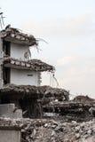 Ruinen des Gebäudes unter Zerstörung, städtische Szene Lizenzfreies Stockbild