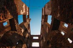 Ruinen des Hotels am Dreiheit-Stefano--Ulyanovskkloster lizenzfreies stockfoto