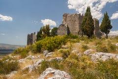 Ruinen des mittelalterlichen Schlosses von Blagaj lizenzfreie stockbilder