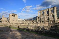 Ruinen des römischen Theaters lizenzfreie stockfotos