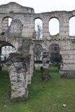 Ruinen des schönen Schlosses Stockfotos