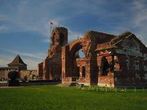 Ruinen des ZiegelsteinRathauses der Festung lizenzfreies stockbild