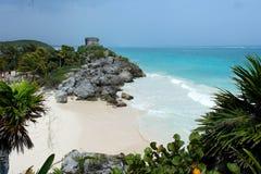 Ruinen durch das Meer Lizenzfreies Stockfoto
