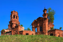 Ruinen einer alten Kirche Lizenzfreie Stockbilder