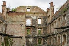 Ruinen einer alten Steinmühle Steinwand der alten Mühle von GR Stockbilder