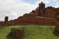 Ruinen eines mittelalterlichen Schlosses Stockfotografie