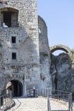 Ruinen mittelalterlichen Schlosses des des 14. Jahrhunderts, Ogrodzieniec-Schloss, Spur Stockbild