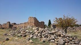 Ruinen und Ruinen der alten Stadt, Hierapolis nahe Pamukkale, die Türkei lizenzfreie stockfotografie