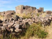 Ruinen von alten Aymara Funerary Tower lizenzfreies stockbild