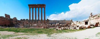 Ruinen von Jupiter-Tempel und von großem Gericht von Heliopolis, Baalbek, Bekaa Valley der Libanon Stockbild