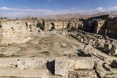 Ruinen von Jupiter-Tempel und von großem Gericht von Heliopolis in Baalbek, Bekaa Valley der Libanon Stockbilder