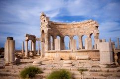 Ruinen von Leptis Magna lizenzfreie stockfotos