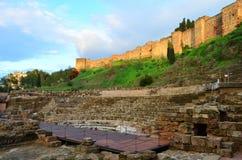 Ruinen von Roman Theatre von MÃ-¡ laga in Spanien lizenzfreies stockbild